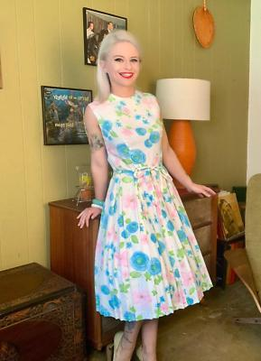 Vintage 1950s/1960s • Dress with •